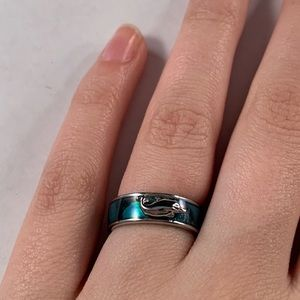 Jewelry - Cute dolphin ring